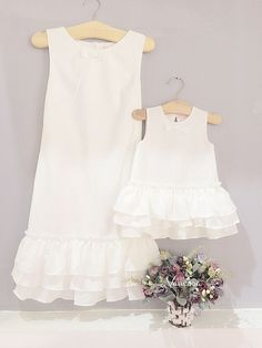 37 Best Ideas For Baby Kids Clothes Mom, Diy Abschnitt, Mom And Baby Dresses, Mom Dress, Little Girl Dresses, Girls Dresses, Mother Daughter Matching Outfits, Mother Daughter Fashion, Mother Daughters, Kids Outfits, Chic Outfits