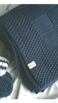 I love the border on this blanket - Decor Ideas Trends - Handarbeit Knitted Afghans, Knitted Baby Blankets, Crochet Blanket Patterns, Baby Knitting Patterns, Knitting Stitches, Free Knitting, Patchwork Blanket, Crochet Amigurumi, Knit Crochet