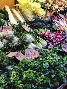 """Il """"Quadrilatero"""" - il mercato a cielo aperto nel centro storico di Bologna / the open market in the historic centre of Bologna"""