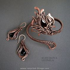 SET by ~KL-WireDream on deviantART Handmade Jewelry This is amazing wire work! Copper Jewelry, Wire Jewelry, Jewelry Art, Jewelry Ideas, Copper Wire, Beaded Jewelry, Bridal Jewelry, Jewlery, Jewelry Design