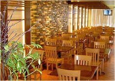 SriPraPhai Thai Restaurant - Woodside & Williston, NY, has outdoor seating and veg options!