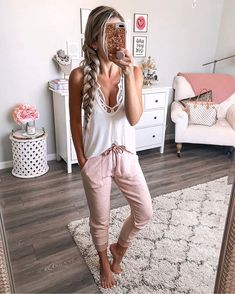 Comfy pants, tank and lace bra Cute Lounge Outfits, Lazy Day Outfits, Cute Comfy Outfits, Mode Outfits, Spring Outfits, Fashion Outfits, Movie Night Outfits, Womens Fashion, Fashion Clothes