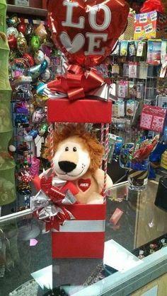 Amor Valentines Day Baskets, Valentines Day Decorations, Valentine Crafts, Valentine Day Gifts, Candy Bouquet, Balloon Bouquet, Balloon Centerpieces, Balloon Decorations, Valentine's Day Gift Baskets