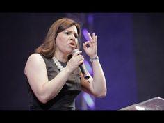As várias mulheres em mim - Helena Tannure - 3º Congresso de Mulheres Diante do Trono - YouTube