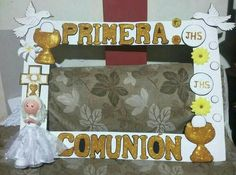 Foto Frame, Photo Frame Prop, Picture Frames, First Communion Favors, First Holy Communion, Baby Shower Candy Table, Communion Centerpieces, Mexican Party, Birthday Pictures