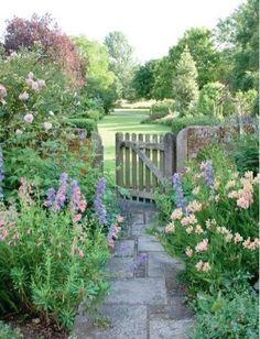 ɛ n g l i s h . ç o u n t r y s i d e #gardendesign