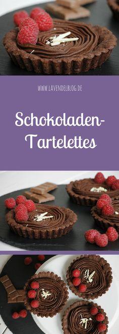 Schokoladen-Tartelettes mit Himbeeren sind eine süße Verführung. Das Tartelettes Rezept sowie das Ganache Rezept für die Tartelettes-Füllung findet ihr bei uns im Blog. Der Schoko-Mürbeteig ist schnell gemacht. Das Rezept lässt sich natürlich abwandeln und ist eine schöne Backidee zum Muttertag.