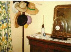 HISTOIRE DE MOTS: Couvre-chefs abandonnés