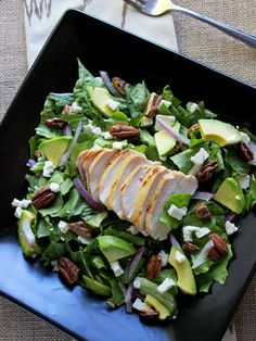 Avocado Chicken Salad with Candied Pecans and Honey Mustard Vinaigrette - This is my FAVORITE salad! | Foodfaithfitness.com
