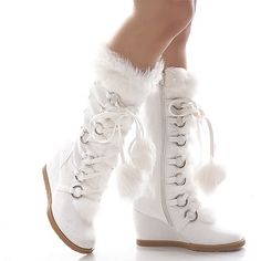 e8d75178ce78 Snow boots wish that icould that but most likeley not there r so cute got to