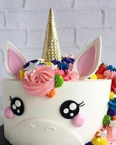 Unicorn taart. #unicorn #unicorncake #verjaardagstaart #eenhoorn #taart #heelhollandbakt