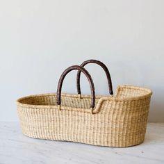 Basket Weaving, Hand Weaving, Diaper Basket, Baby Baskets, Woven Baskets, Gift Baskets, Baby Moses, Blanket Basket, Baby Changing Pad