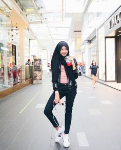 Travel clothes women hijab ideas for 2019 Casual Chic, Oufits Casual, Casual Hijab Outfit, Casual Street Style, Street Style Women, Ootd Hijab, Street Styles, Casual Ootd, Casual Outfits