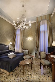 Venice - Colombina Hotel - Hotels.com - Hotel rooms with reviews. Discounts and Deals on 85,000 hotels worldwide