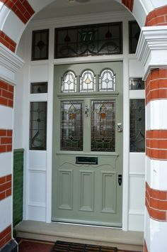 31 ideas for victorian front door colours stained glass Front Doors With Windows, Wooden Front Doors, Painted Front Doors, Glass Front Door, Sliding Glass Door, Georgian Doors, Victorian Front Doors, Victorian Hallway, Vintage Doors