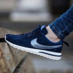 {Nike} Roshe Cortez NM PRM Suede Women's size 10. Color: mid navy, marine Minuit. Brand new, never been worn. I'll pack them in a designer box to keep them safe. ❗️Price is firm, even when bundled ❗️   ❌ No Trades/ No PayPal  ❌ No Lowballing  ✅ Bundle Discounts ✅ Ship Same or Next Day  % Authentic Nike Shoes
