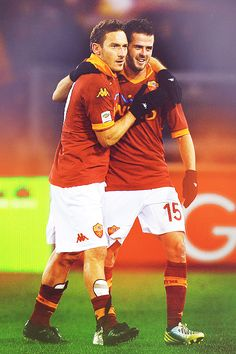 As Roma Nel Cuore Francesco Totti and Miralem Pjanic, AS Roma. Football Stadiums, Football Soccer, Soccer Teams, Soccer Stuff, As Roma, Gypsy Costume, International Football, Antoine Griezmann, Sports Art