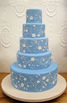 Sometimes simple is so pretty. Blue with white details by Betty Bakery in Brooklyn.