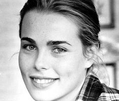 LA Times - Margaux Hemingway, actress - victim of child abuse. She ended her misery by suicide. Margaux Hemingway, Ernest Hemingway, Famous Models, Natural Looks, Vintage Beauty, Hollywood Actresses, Great Artists, Pretty People, Supermodels