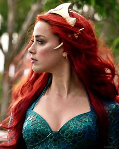 Mera Aquaman Wine red lace front wigs for women, mermaid cosplay wigs, pastel full lace wigs for black women 24 in cm) long Amber Heard, Aquaman Film, Aquaman 2018, Red Lace Front Wig, Red Wigs, Celebrity Couples, Celebrity News, Lace Wigs, Redheads