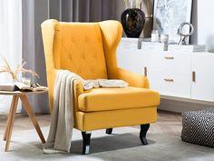 Met zijn opvallende uiterlijk is onze fauteuil ALTA onmiskenbaar. Deze design fauteuil geeft comfort aan elke kamer. De gebogen en donkere houten poten en de lange rugleuning geven de fauteuil iets unieks. De opzettelijk geplaatste knopversieringen op de rugleuning ronden het elegante ontwerp van de stoffen stoel af. Past deze gele fauteuil in jouw woonkamer? #fauteuil #stoel #elegant #comfort #homesweethome Leather Chesterfield Chair, Wingback Chair, Look Vintage, Accent Chairs, Living Room, Modern Design, Furniture, Home Decor, Products