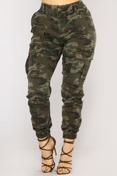 Rv Camping In Virginia Key: 4439066416 Casual Work Outfits, Classy Outfits, Cool Outfits, Army Pants, Cargo Pants Women, Tomboy Fashion, Fashion Pants, Fashion Outfits, Camo Jacket Women