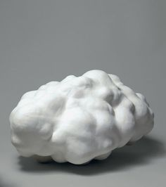 Daphné Corregan - Nuage / Cloud; porcelain (2013)