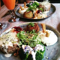 Restaurant review #64 – De Graankorrel is a vegan/macrobiotic restaurant, in the city center of Ostend (29km from Bruges). It's located behind the town hall, just a 10 minute walk from the ci…