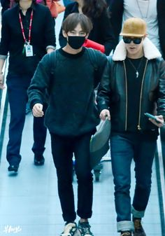 141211- BTS V (Kim Taehyung) and J-Hope (Jung Hoseok) @ Incheon Airport #bts #bangtan #bangtanboys #vhope #fashion #style