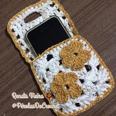 How to Crochet Mobile Cell Phone Pouch for iPhone Samsung - Crochet Ideas Crochet Hook Set, Love Crochet, Crochet Gifts, Learn To Crochet, Diy Crochet, Single Crochet, Crochet Phone Cover, Knitting Needle Sets, Crochet Mobile