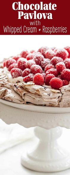 This chocolate pavlova topped with whipped cream and raspberries is a show-stopper, for sure. It also happens to be easy to make! If you can make meringue, you can make this. Pavlova Toppings, Lemon Curd Pavlova, Strawberry Pavlova, Mini Pavlova, Best Swedish Meatball Recipe, Christmas Pavlova, Christmas Sweets, Christmas Recipes, Deserts