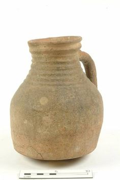 15950: jug Production date: Early Medieval; late 11th-12th century Measurements: H 202 mm; DM 170 mm