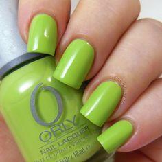 granny smith apple green nails!