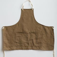 linen aprons. you really can't have too many.
