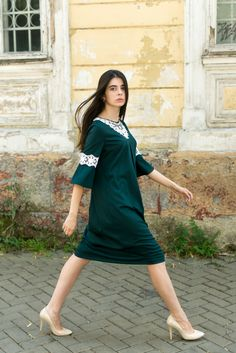 Streetwear, Trends, Models, Shirt Dress, T Shirt, Fashion Beauty, Fashion Photography, Cold Shoulder Dress, Photoshoot