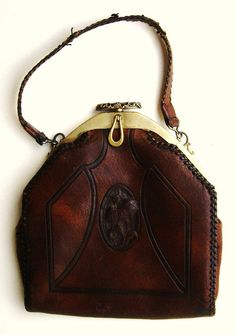 Vintage 1920's Leather Purse that wants me to adopt it.