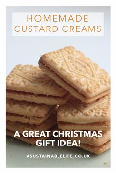 Homemade custard cream biscuits as a Christmas gift? I recently made teeny tiny versions of these custard cream biscuits using my smallest cookie cutter, and packaged them up in jam jars for gifts - they went down a storm. Cookie Desserts, Cookie Recipes, Dessert Recipes, Cream Biscuits, Custard Biscuits, Custard Cookies, British Biscuit Recipes, Custard Cream Recipe, Salted Caramel Cupcakes