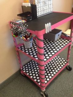 School classroom - Arts And Crafts Festivals Near Me ArtsAndCraftsToDo Key 4637125962 High School Classroom, Classroom Setup, Classroom Design, Music Classroom, Teacher Cart, Teacher Rolling Cart, Principal Office Decor, Principal Ideas, Traveling Teacher