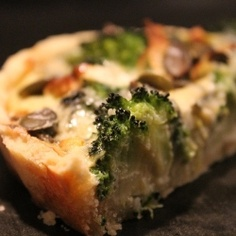 Pie with broccoli and blue cheese by Matmedmera