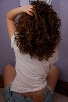 Naturally curly hair.