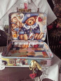 Купить Чемодан для мишек Тедди - чемодан, чемодан декупаж, чемоданчик, мишки тедди, печворк