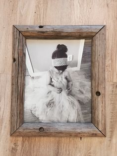 Heinäseiväs Pallet Ideas, Dyi, Picture Frames, Diy Projects, Decorating, Wood, Pictures, Home Decor, Repurpose