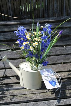 Watering can table centres.