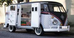 Fazer de uma van uma temakeria, um restaurante de comida mexicana, um pet shop móvel ou outro negócio sobre rodas exige cuidados. Especialistas ouvidos pel...