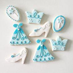 Había una vez... #cinderella #cenicienta #princess #princesas #cookies #galletitas #decoratedcookies #AYNIC