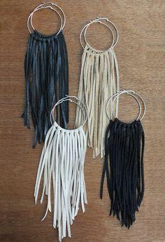 Boucles d'oreilles anneaux franges en cuir ( essais en plus court  , trop long à mon goût  !!!! )