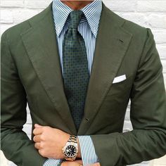 From Violamilano-Men's fashion - Cigar&Fashion Life Style Sharp Dressed Man, Well Dressed Men, Groom Suit Trends, Herren Outfit, Business Dresses, Dress For Success, Gentleman Style, Wedding Suits, Mens Suits