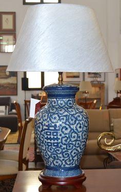 Lámpara sobremesa  md. 329-217 Medidas:  0,75 alto. Consultar precio con descuento especial. Unidades disponibles 2