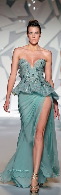 Abed Mahfouz Couture - Fall 2013 evening gowns are soft, feminine, shapely, flowing, elegant and super sexy. Sexy Dresses, Lovely Dresses, Beautiful Gowns, Beautiful Outfits, Fashion Dresses, Abed Mahfouz, Elie Saab, Georges Chakra, Belle Silhouette