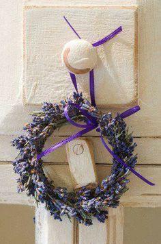 en Provence, couronne de lavande...